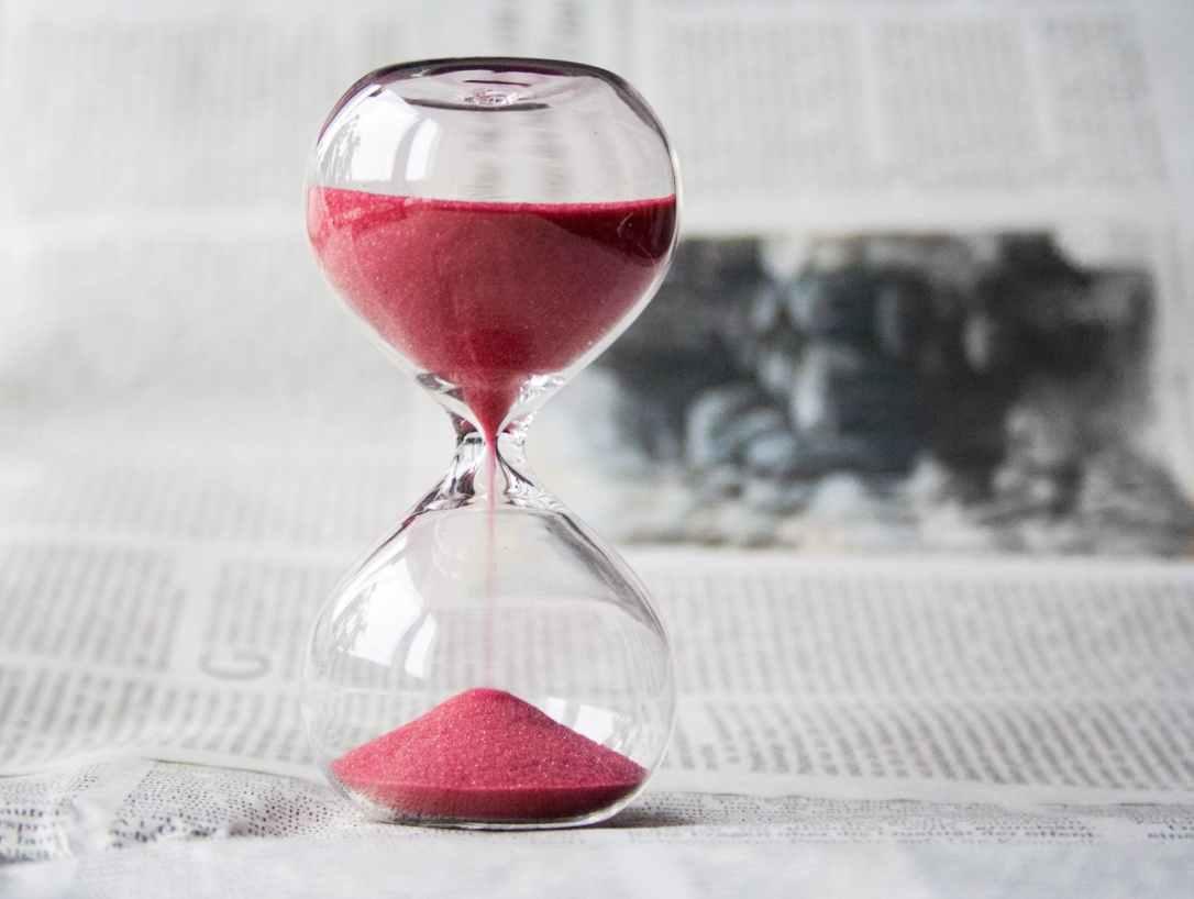 hourglass-time-hours-sand-39396.jpeg